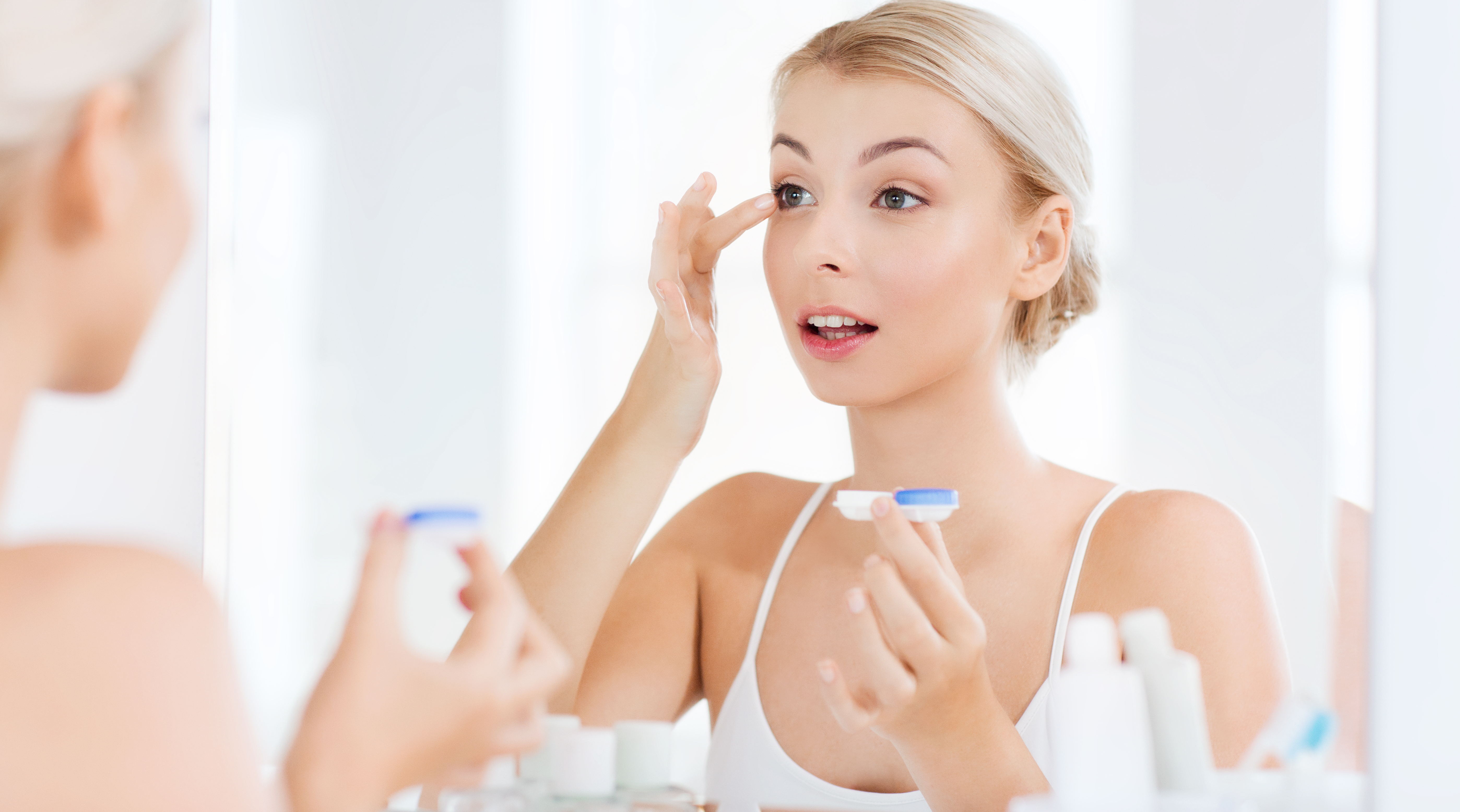 How to Look After Your Contact Lenses | Top Tips | Eyesite